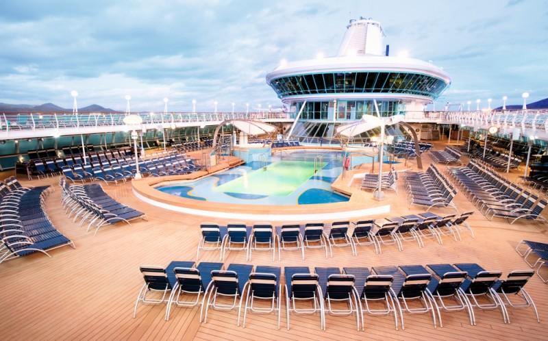 Splendour To Become Thomson Discovery Captain Greybeard - How do you become a captain of a cruise ship