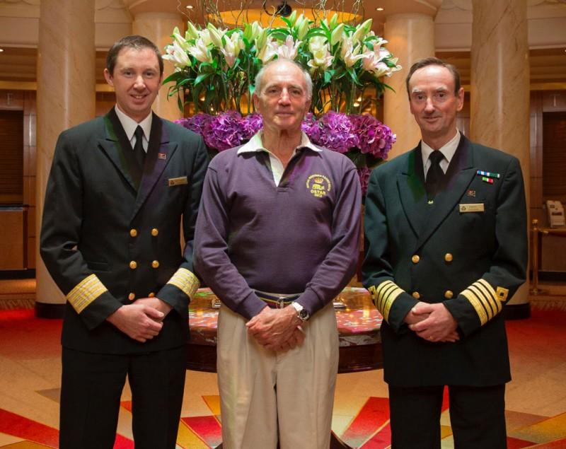 QM2 rescues yachtsman